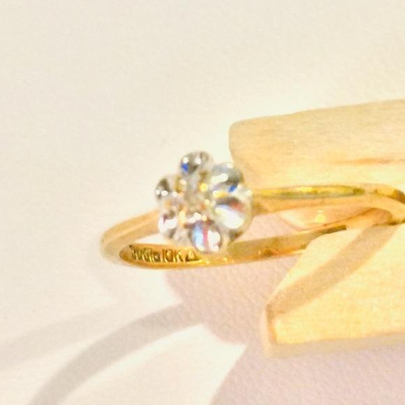 375935073 TruGlo Jewelry | 10k Gold Diamond Center Promise Ring | Poshmark